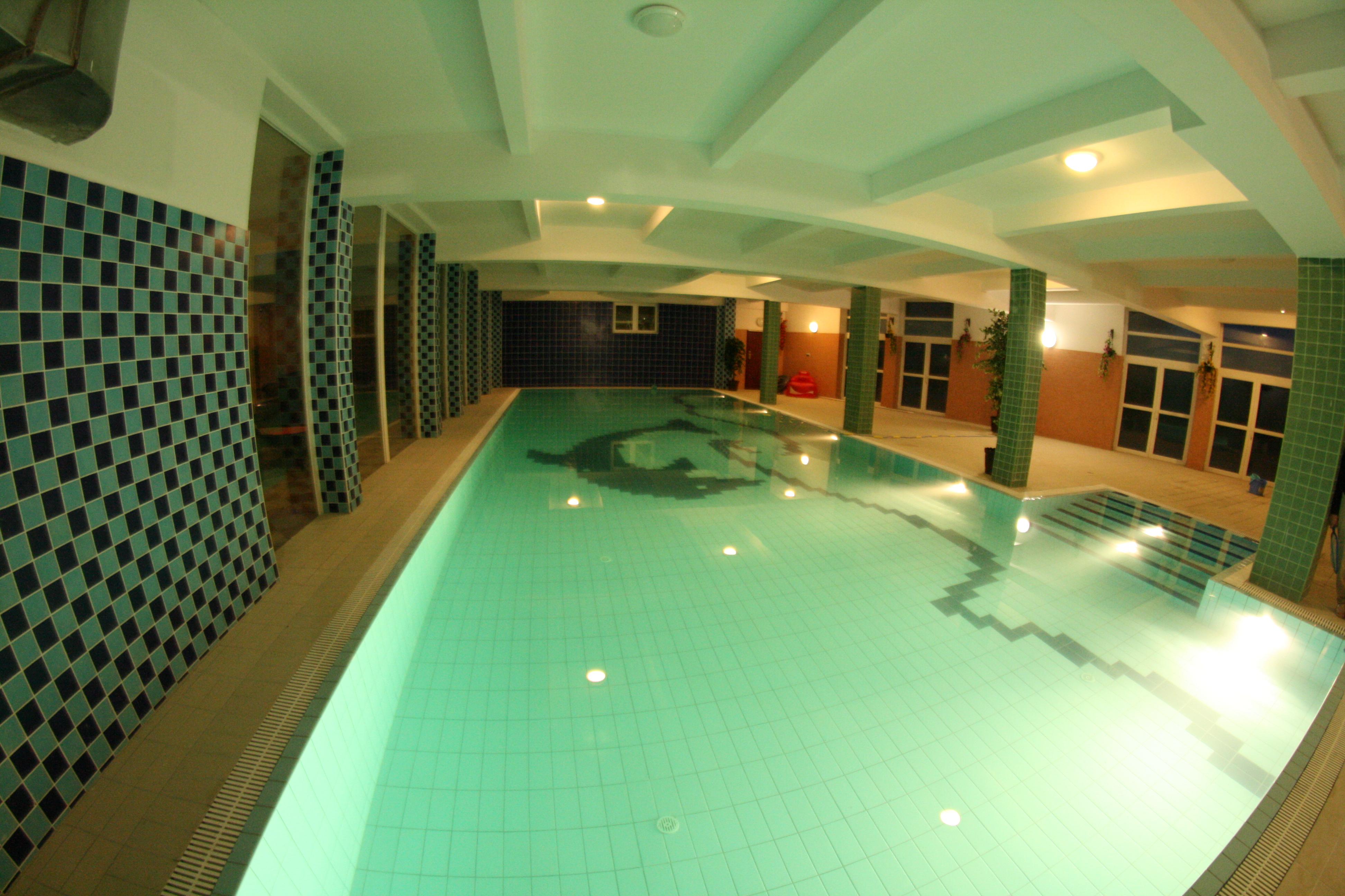 Swimming pool - closed
